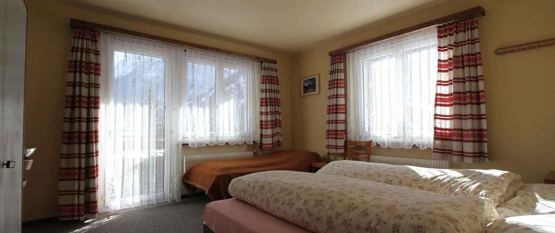 Zimmerbeispiel Ferienhaus Mon-Bijou Saas-Grund